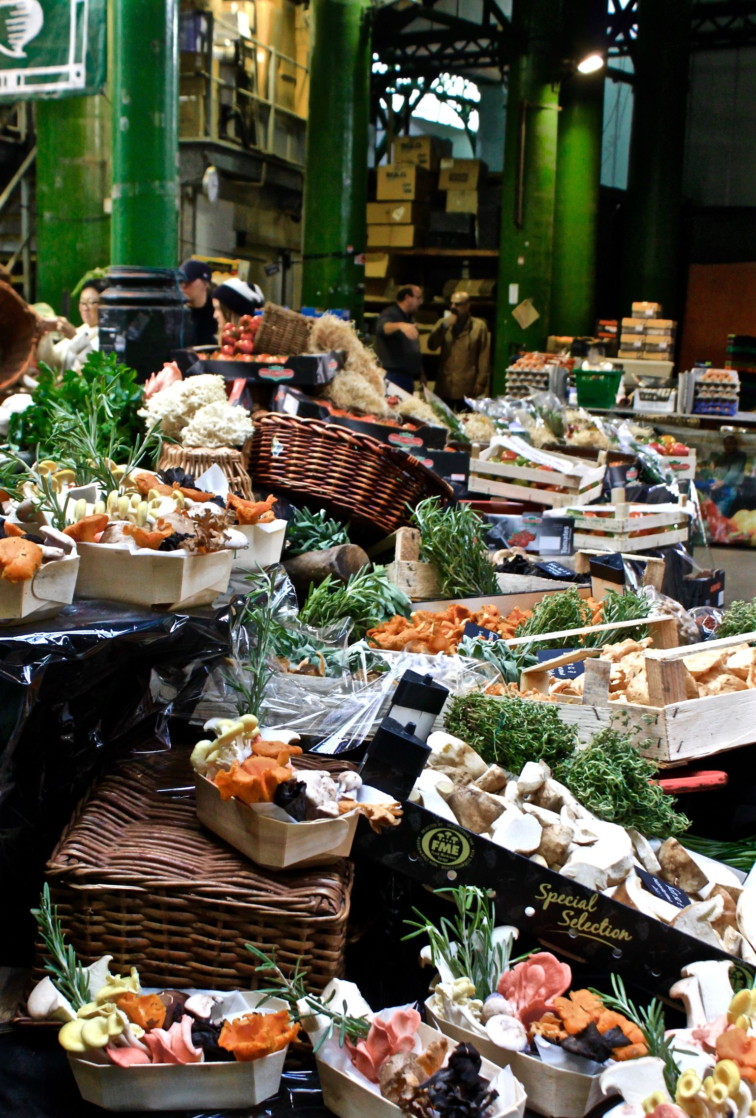 I love Borough Market. It's a vegetable enthusiast's dream, and I am a self-confessed vegetable enthusiast. To give you a bit of background, Borough Market is one of London's olde…