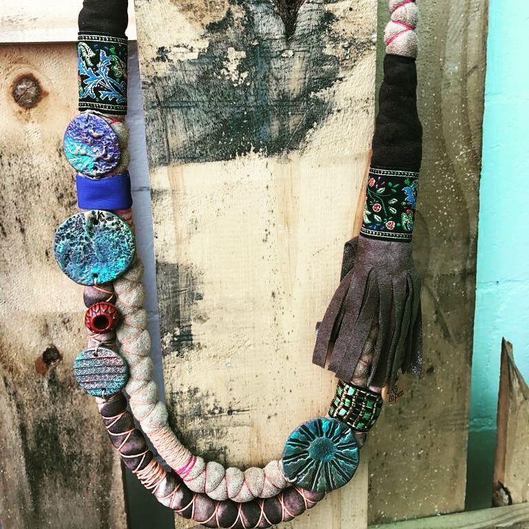 """35 Me gusta, 1 comentarios - Las Lopez (@laslopez.tienda) en Instagram: """"Amor hecho arte. Tienda online de accesorios.  #jewelry #accesories #accesorios #diseñoargentino…"""""""