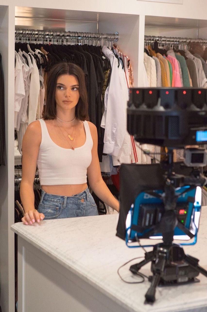 Kris Jenner's Walk-In Closet Includes an Impressive Purse ...