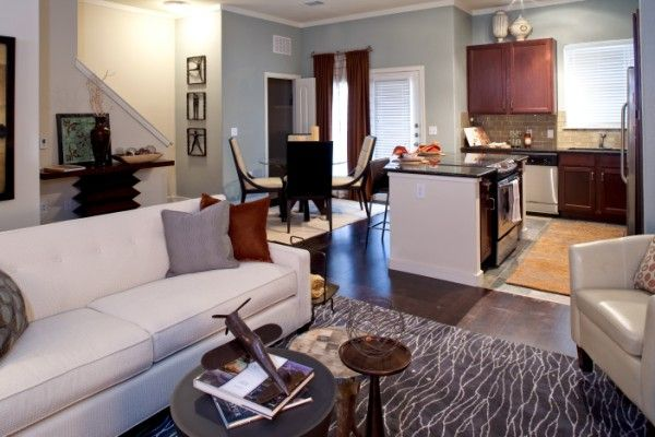 Residents At Lincoln Park At Trinity Bluff Apartments Choose Their Own Lifestyle From Our Spacious One Two A Cool Apartments Luxury Apartments Lincoln Park