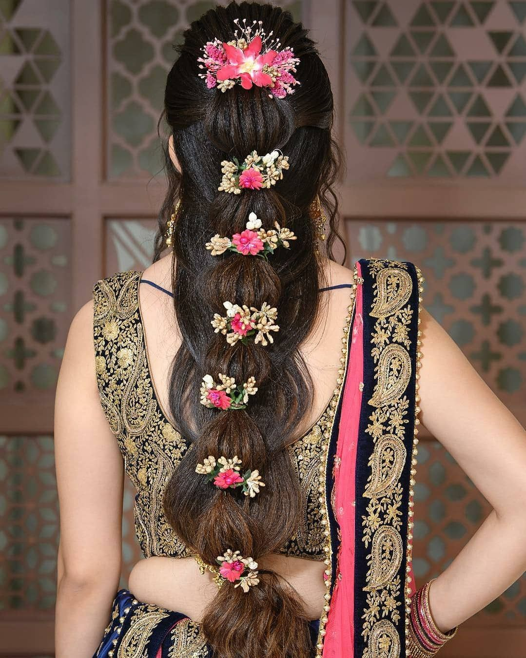 Perfect Hairstyle For Your Mehndi Function Hair Styles Indian Bridal Hairstyles Indian Hairstyles
