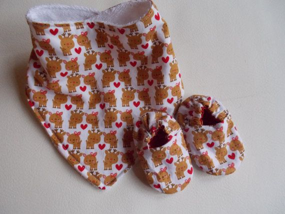 Christmas Reindeer Girl Bib and Shoes by BabySparrowInc on Etsy