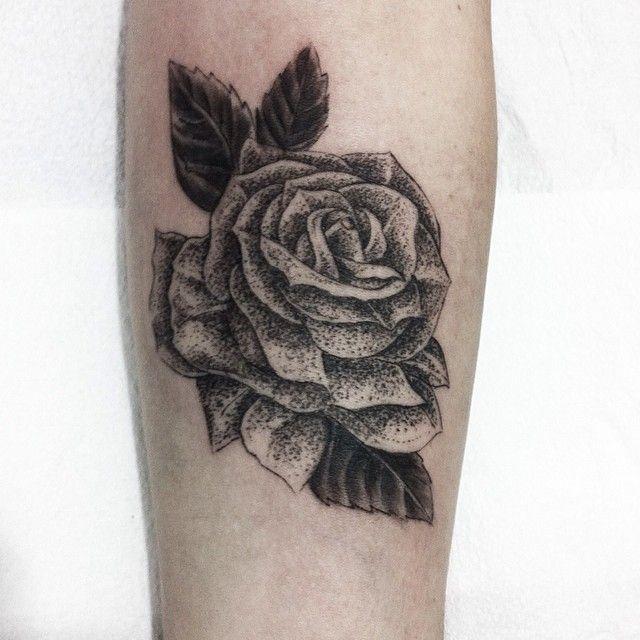 Tattoo Rosa (Antebraço) #tattoo #roses #dotwork #flederweiss #flowers