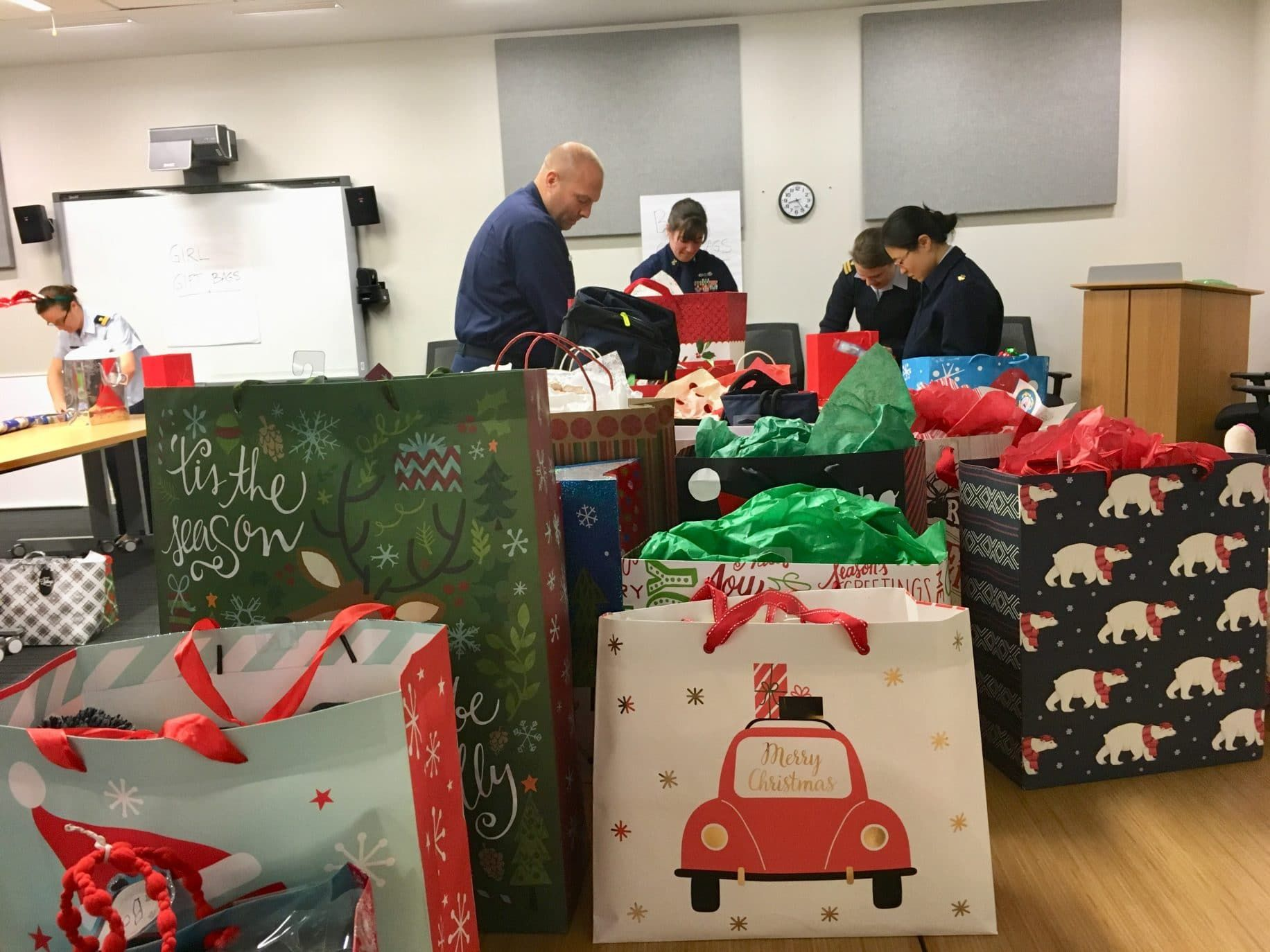 Nonprofit gifts thousands of gifts to FL military families