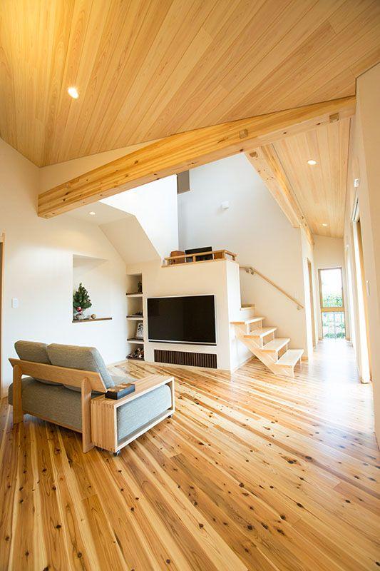 建築実例 杉特有のコントラストが美しい 平屋風自然派志向の家 建築