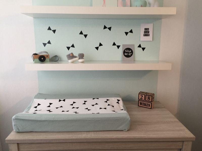 Baby Slaapkamer Accessoires : Aankleedkussenhoes strikjes babykamer strikjes