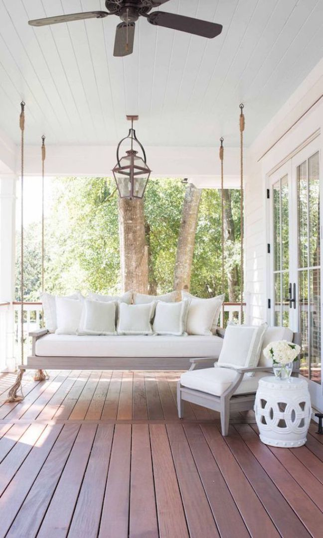 Screen Porch Seating Daybed: 7 Ways To Spruce Up Your StoopBECKI OWENS