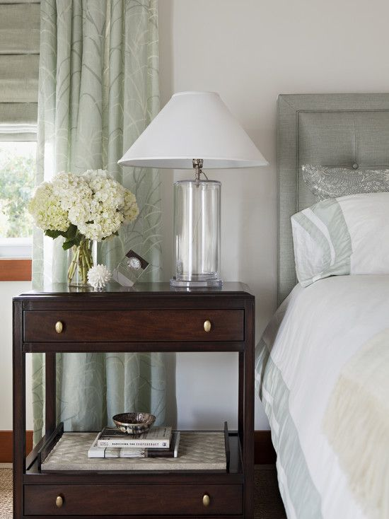 The 5 step nightstand styling formula that will make you look a pro glass lampsglass lightsbedroom