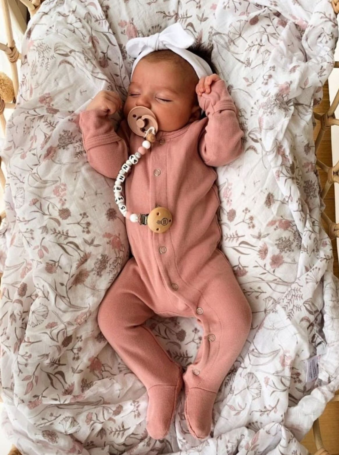Pin By Victoria Haynes On Bubas Cute Baby Pictures Girl New Products