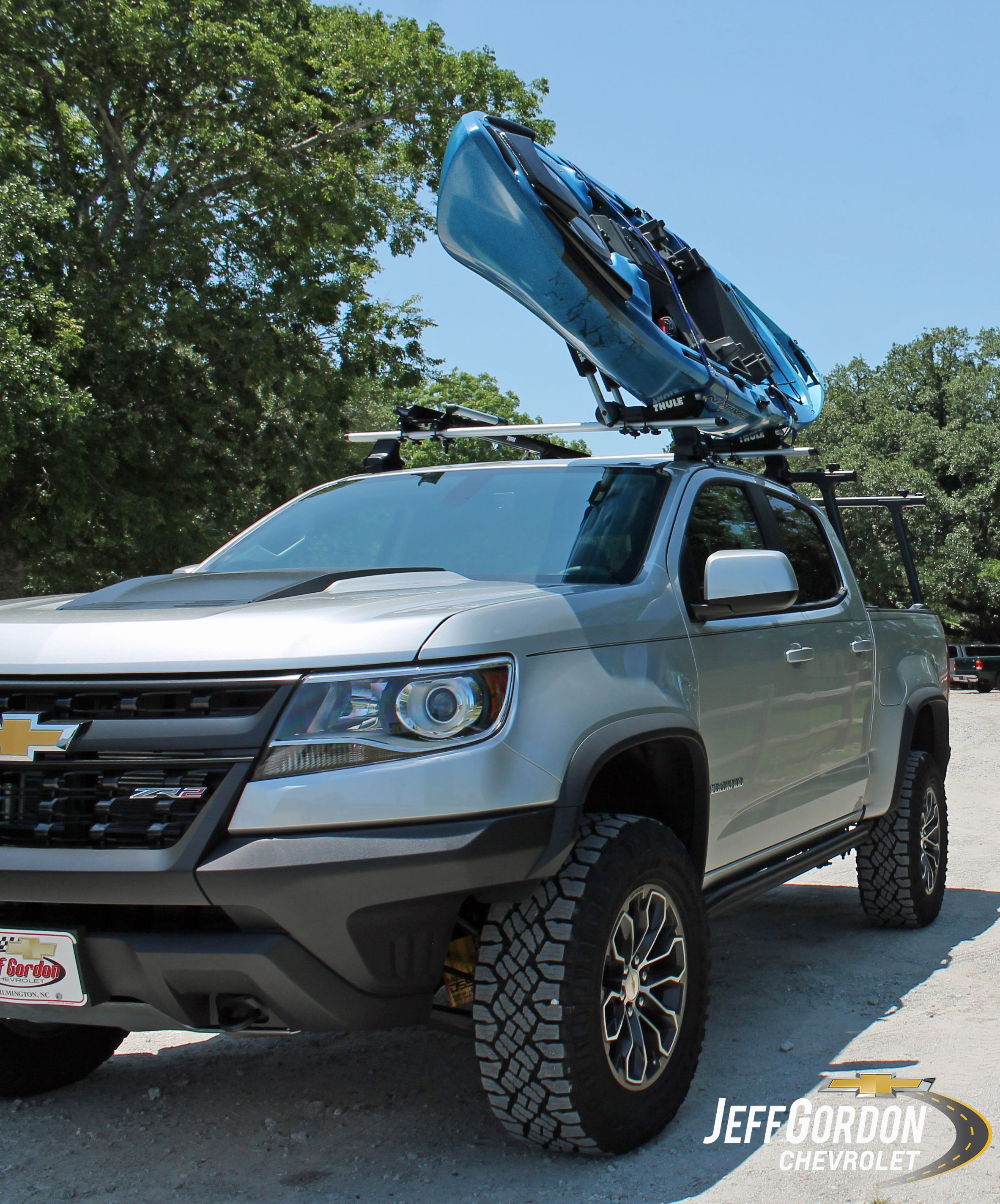 The Ruggedly Handsome Chevrolet Colorado Zr2 Equipped With The Thule Gearon Exterior Cargo Management System Will Sec Chevrolet Colorado Chevrolet Chevy Trucks