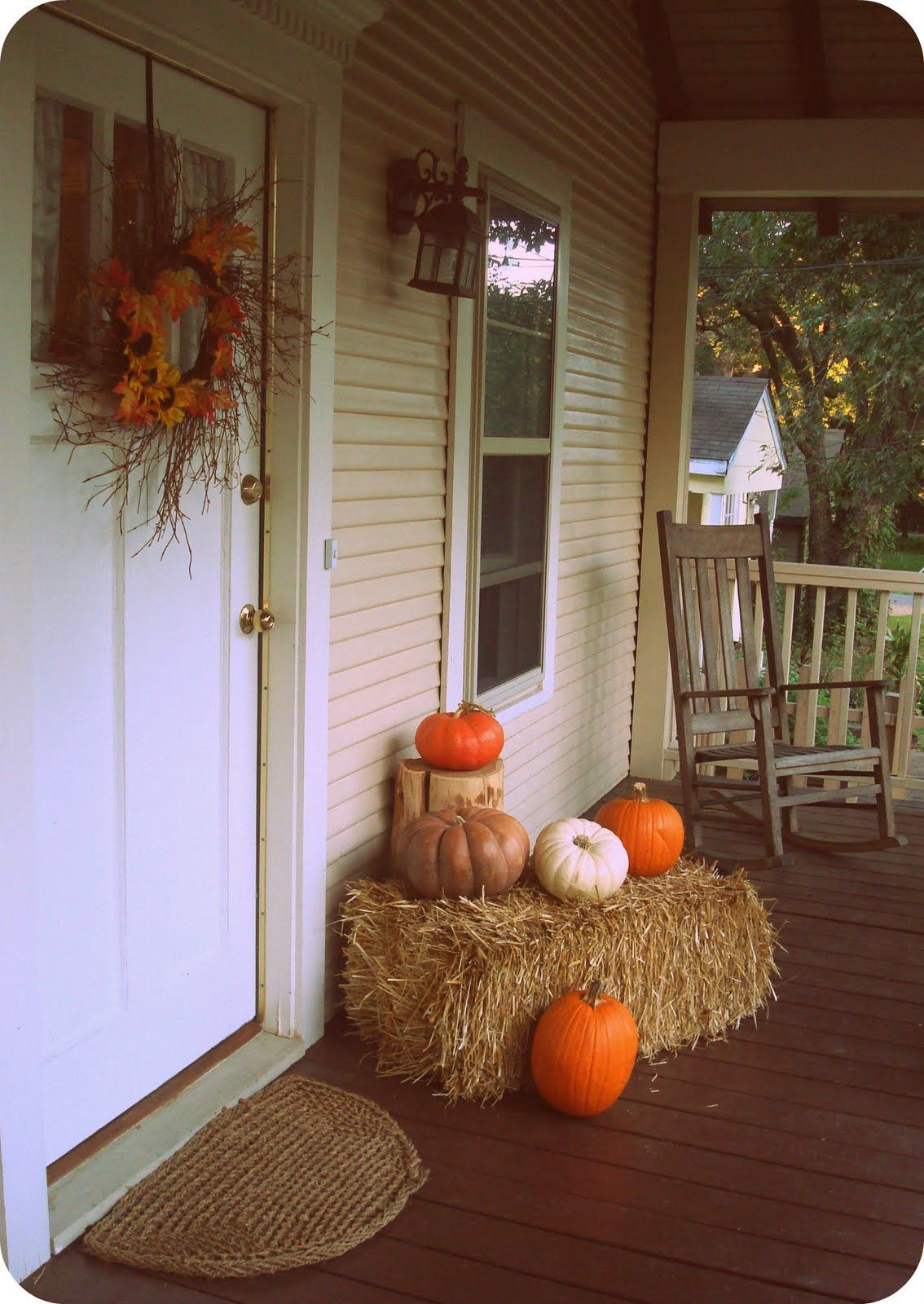 I\u0027m going to do something similar to this for fall this year, but - Front Door Halloween Decorations