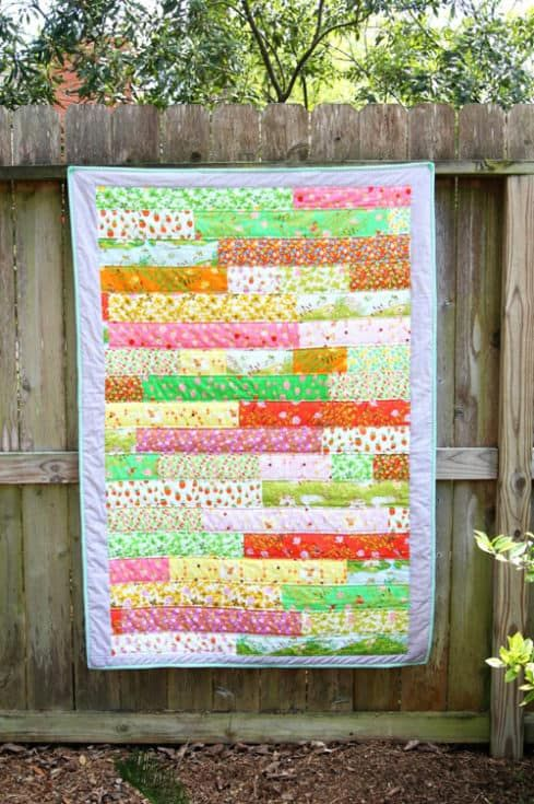 13 Strip Quilt Patterns You Can Easily Master is part of Strip quilts, Strip quilt patterns, Quilt patterns, Quilts, Quilt tutorials, Fat quarter quilt pattern - There are strip quilt patterns you can follow to easily use up all that scrap