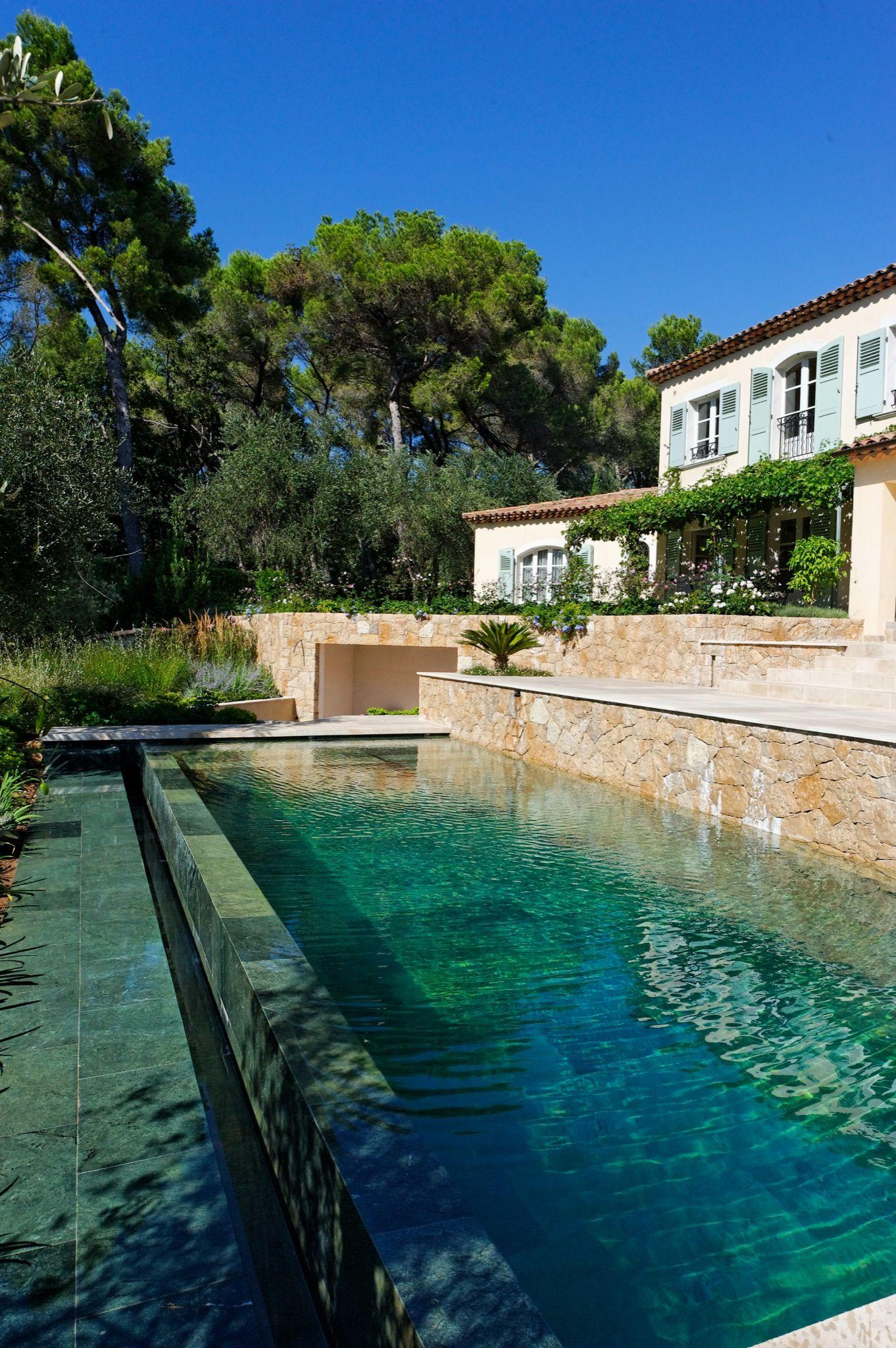 Le d bordement par l 39 esprit piscine 8 x 3 5 m rev tement - Revetement ideal pourtour de piscine ...