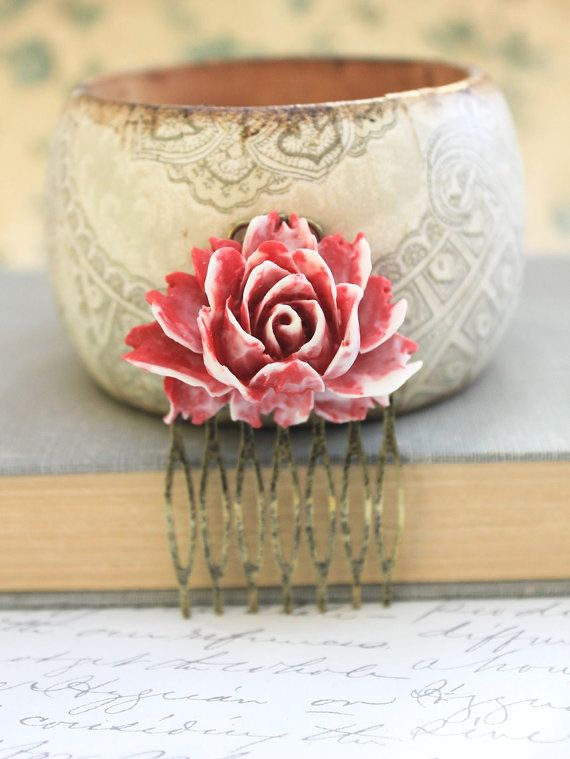 Red Rose Comb Big Rose Hair Comb Gothic Vintage Style Cream Bridal Comb Wedding Hair Accessories Antique Brass Bridesmaids Gifts Hair Clips