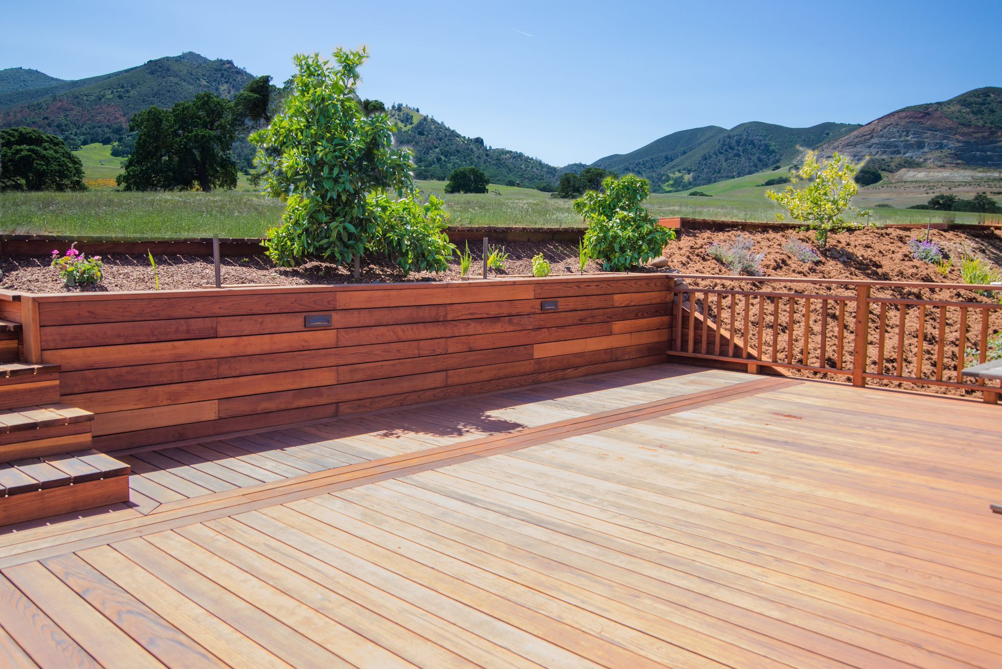 Best Redwood Deck With Stairs And Wall Www Aandjfencing Com 400 x 300