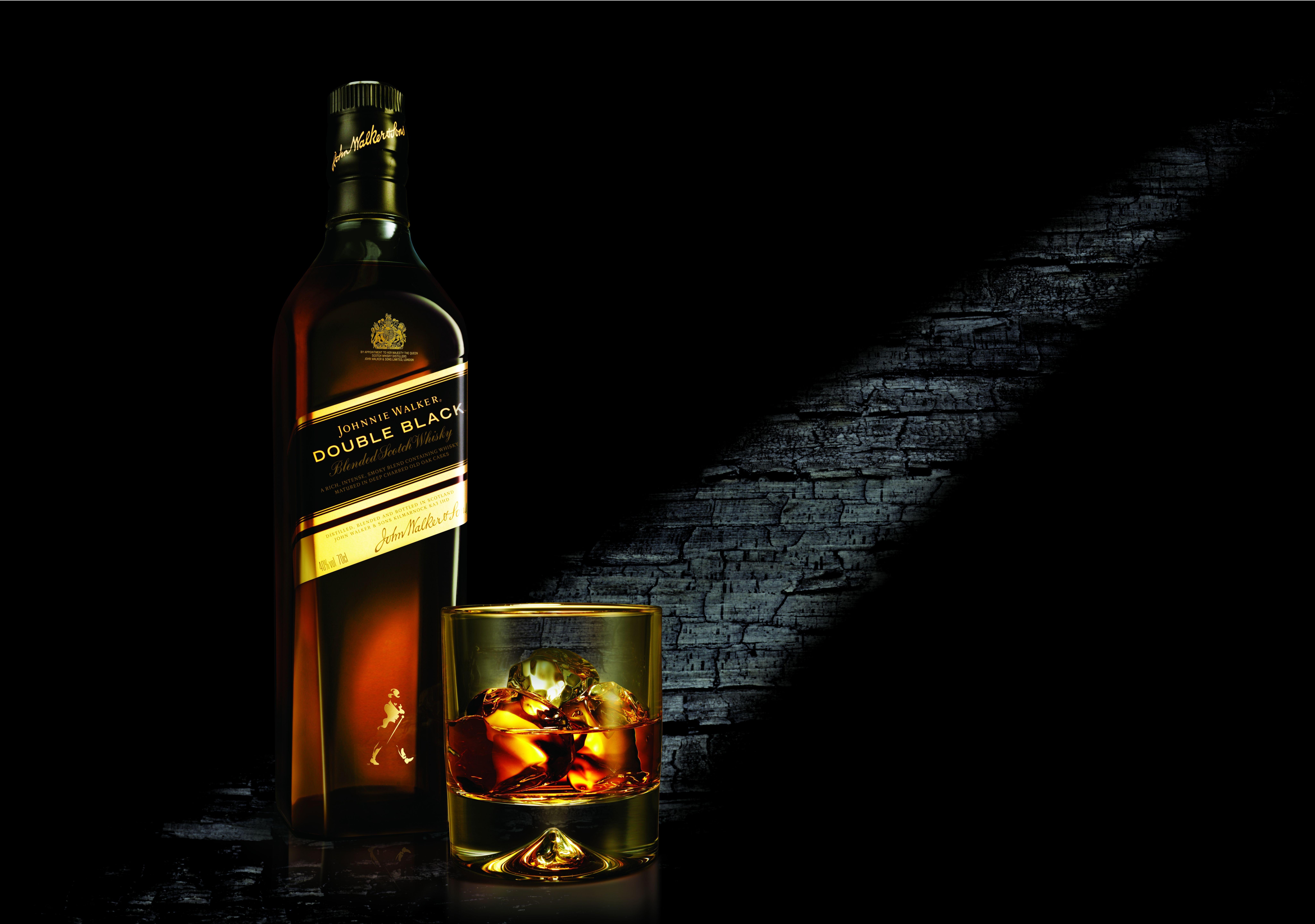 Johnnie Walker Double Black (8204*5767) Fotografie