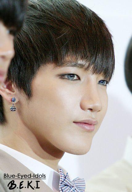 Pin By Elizabeth Marchand On Asian Kpop Idol Blue Eyes Idol