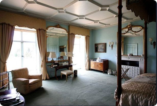 TV Characters Bedrooms That I Covet Downton abbey Bedrooms and