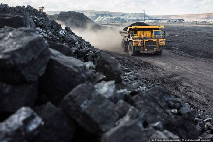 DPR miners produced over five million tons of coal for less than five months in 2016 - http://www.therussophile.org/dpr-miners-produced-over-five-million-tons-of-coal-for-less-than-five-months-in-2016.html/