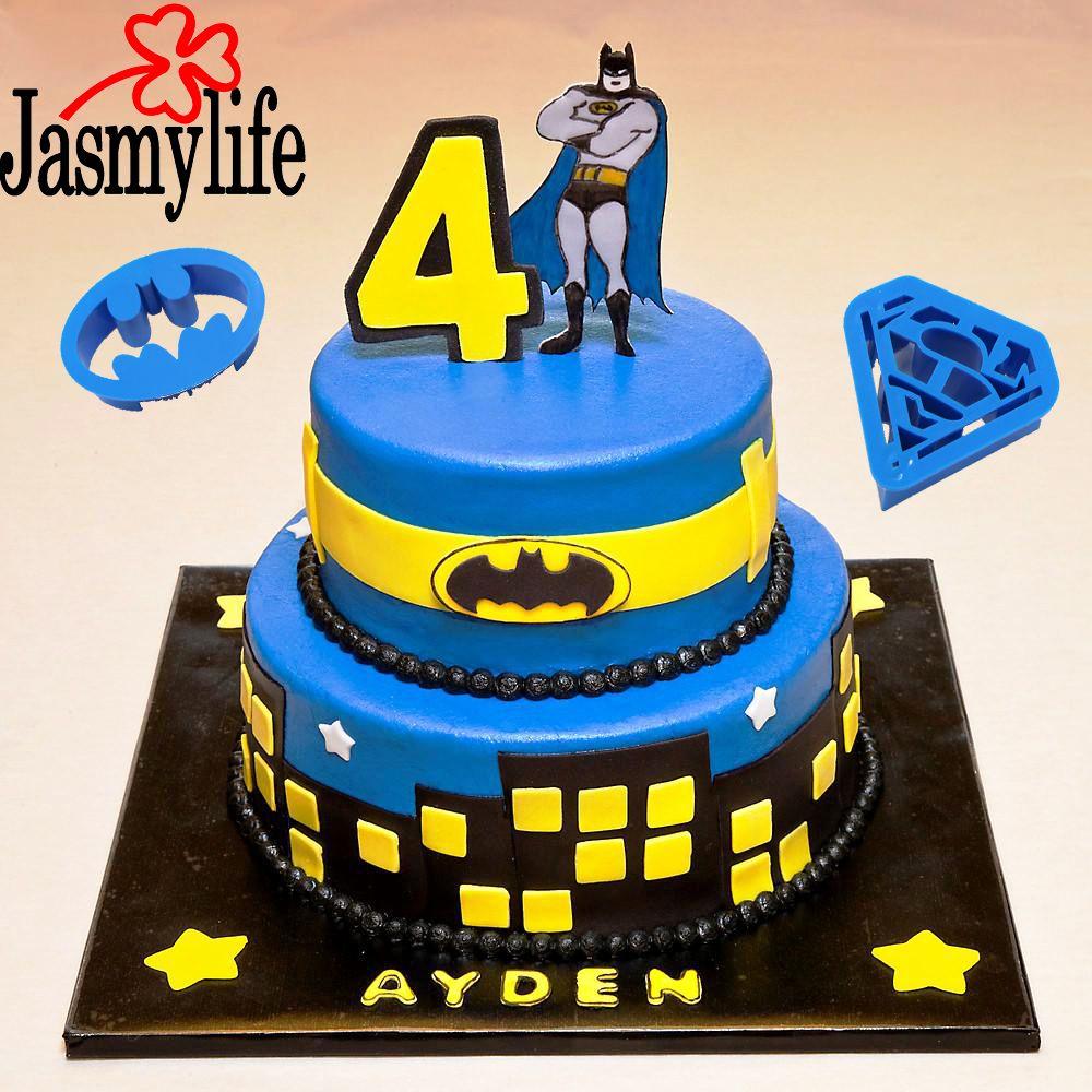 4PCS Plastic Batman Superman Cookie Cutter Pastry Tools DIY Biscuit