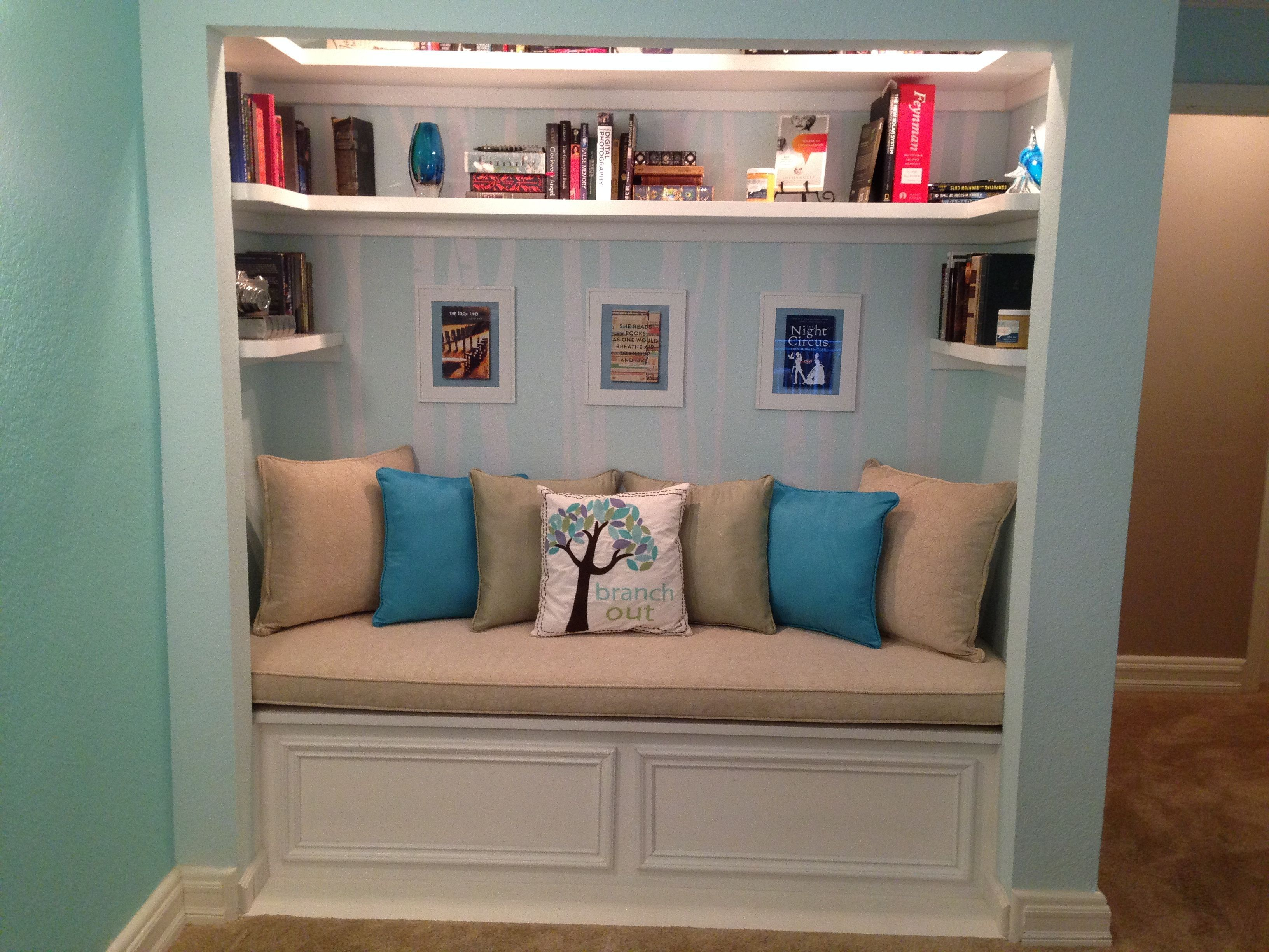 A Closet Transformed Into A Cozy Book Nook If Reading Has Become A Part Of Your Life It Is Time To Decora In 2020 Book Nook Closet Reading Nook Closet Closet Nook