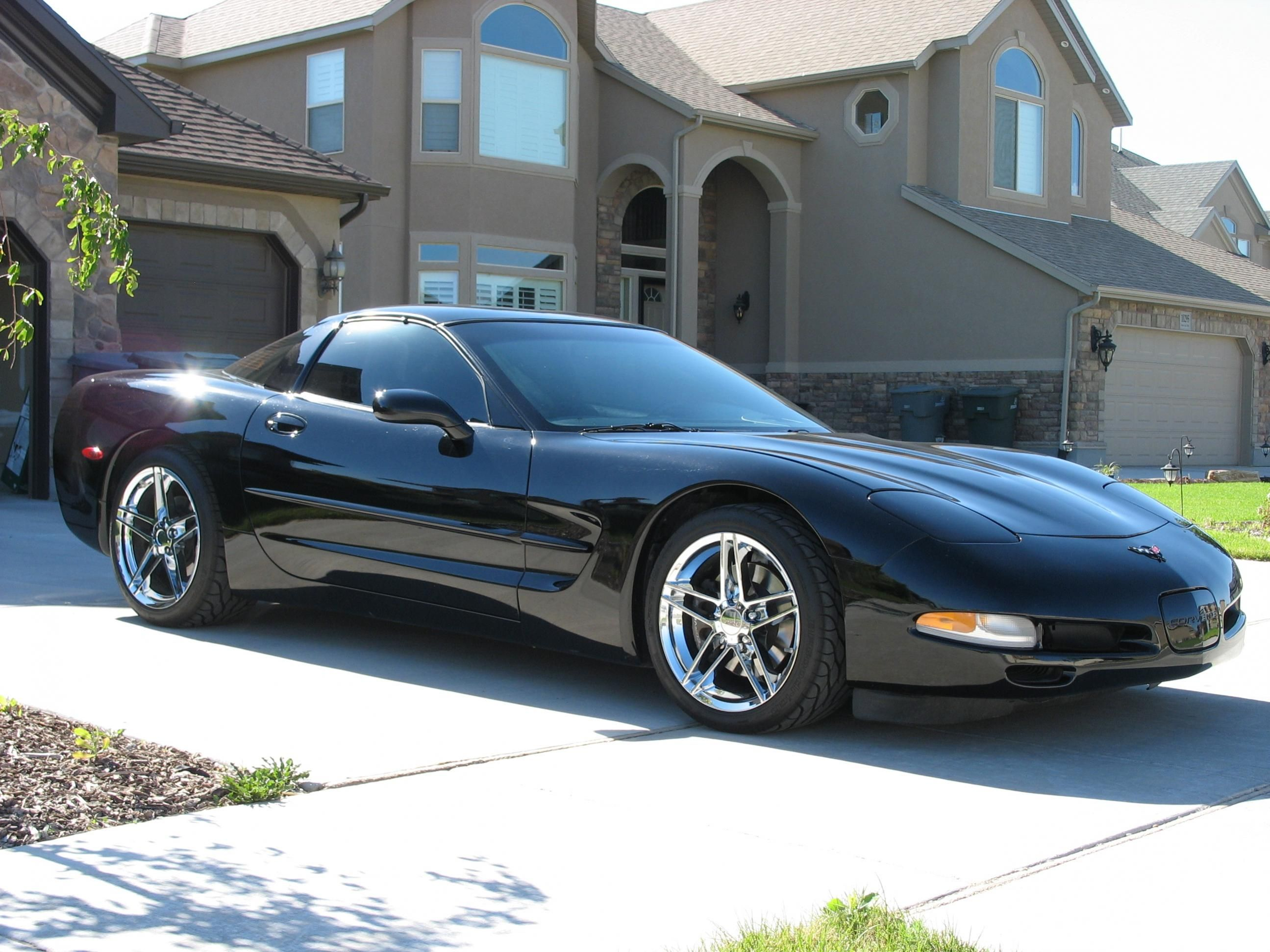 ** 1999 Corvette Pin