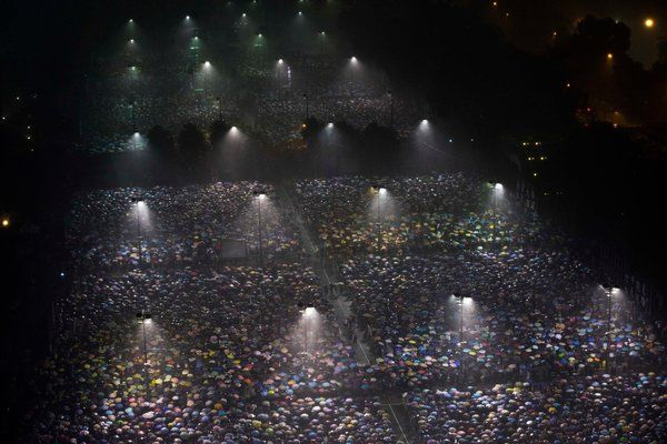 Thousands Rally in Hong Kong on Tiananmen Square Anniversary - NYTimes.com