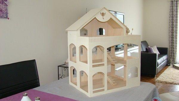 construire maison de poupée 4 DIY - Maison de poupée Pinterest