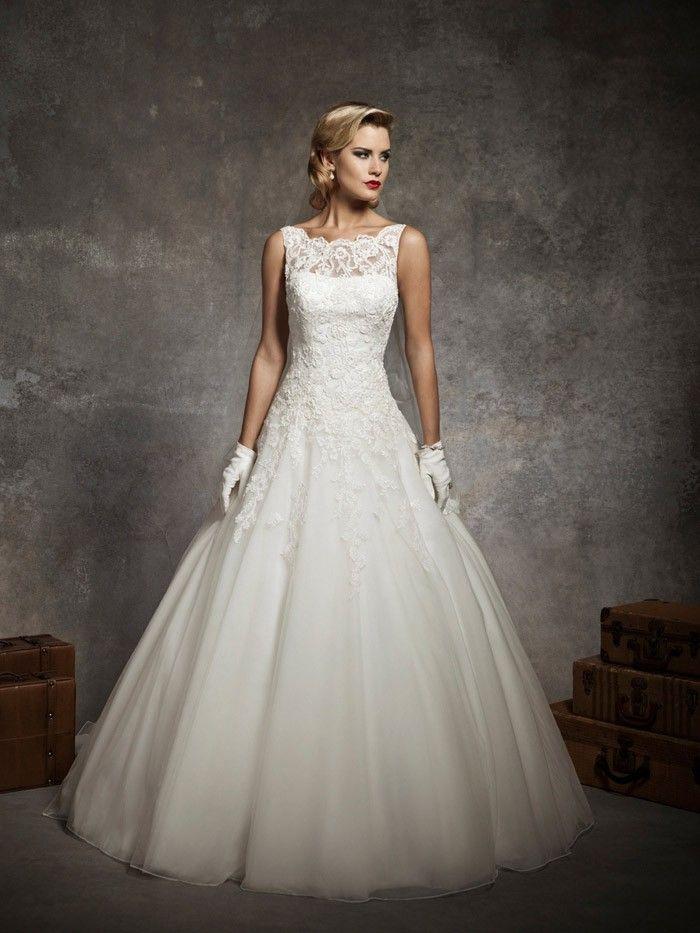 Klassische Ball Kleid Hochzeitskleid ärmellos Spitze um den Hals und ...