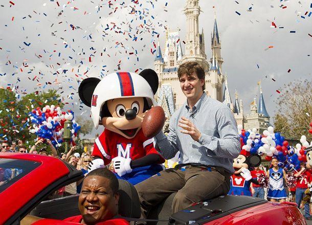 El héroe del Super Bowl en Disney http://venyve.com/2012/2/7/el-heroe-del-super-bowl-en-disney