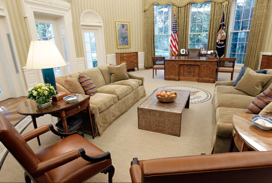 Tour The Oval Office For Design Inspiration Through The Decades The Finishing Touch White House Interior Office Interiors Minimalist Dining Room