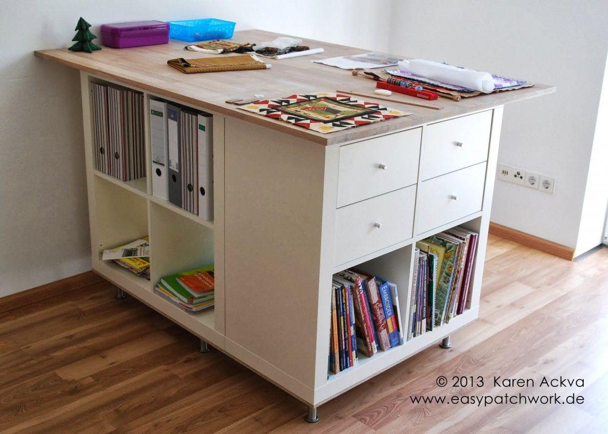 Une Table De Couture Sur Mesure Avec Kallax Table De Couture Atelier Couture Amenagement Tables De Decoupe