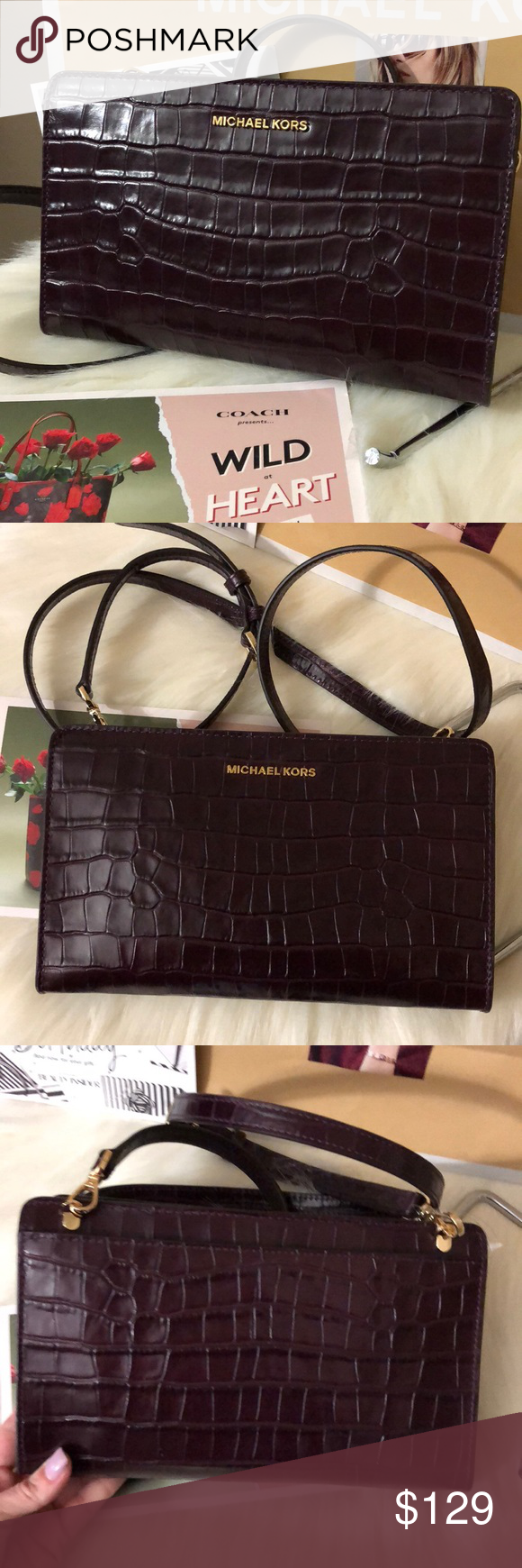 156a8c40d4be NWT Michael Kors Damson Crossbody New with tags Michael Kors croc-embossed  leather crossbody Convertible