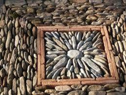 Rosace De Calade Mosaique De Galets Jardin De Rocaille Et Mosaique De Pierre