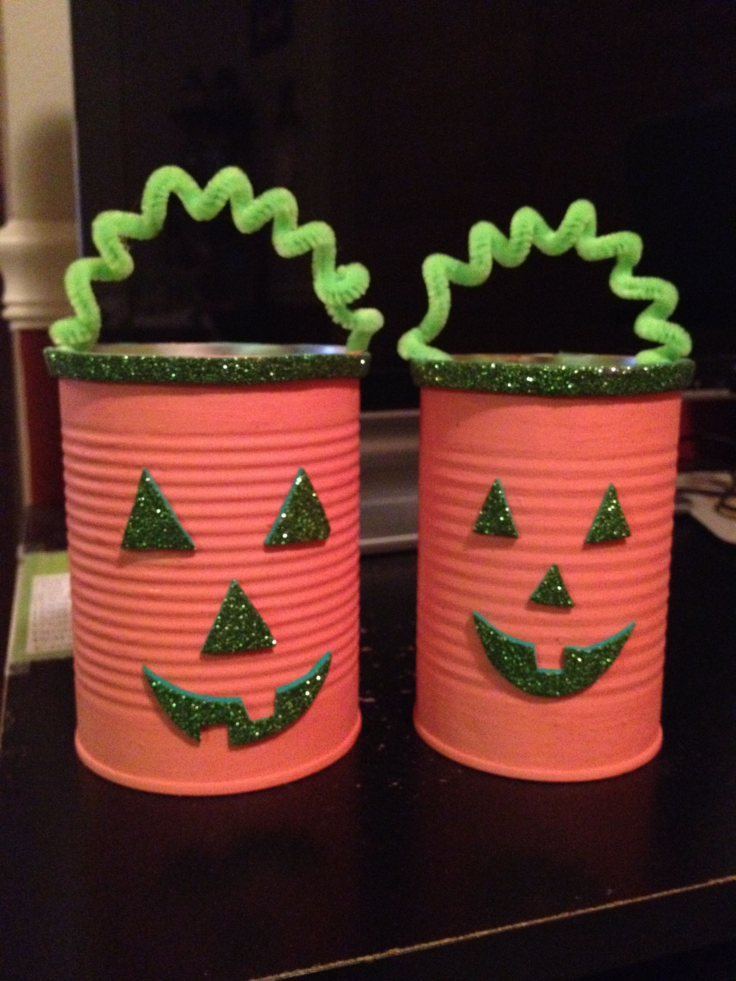 easy and cute halloween decorations made of tin cans! | halloween