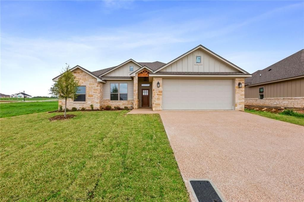 10049 Wildberry In Waco Tx Call Camille Johnson Realtors For More Information On Properties Like This One 254 4 Real Estate Realtors Real Estate Services