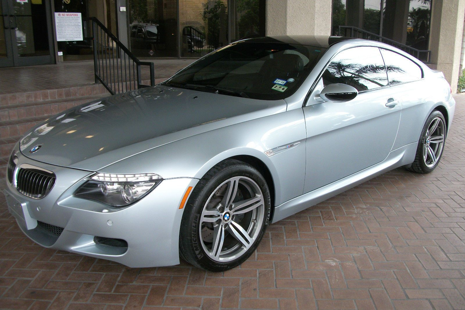 Car brand auctioned bmw m6 coupe 2 door 2008 car model bmw m