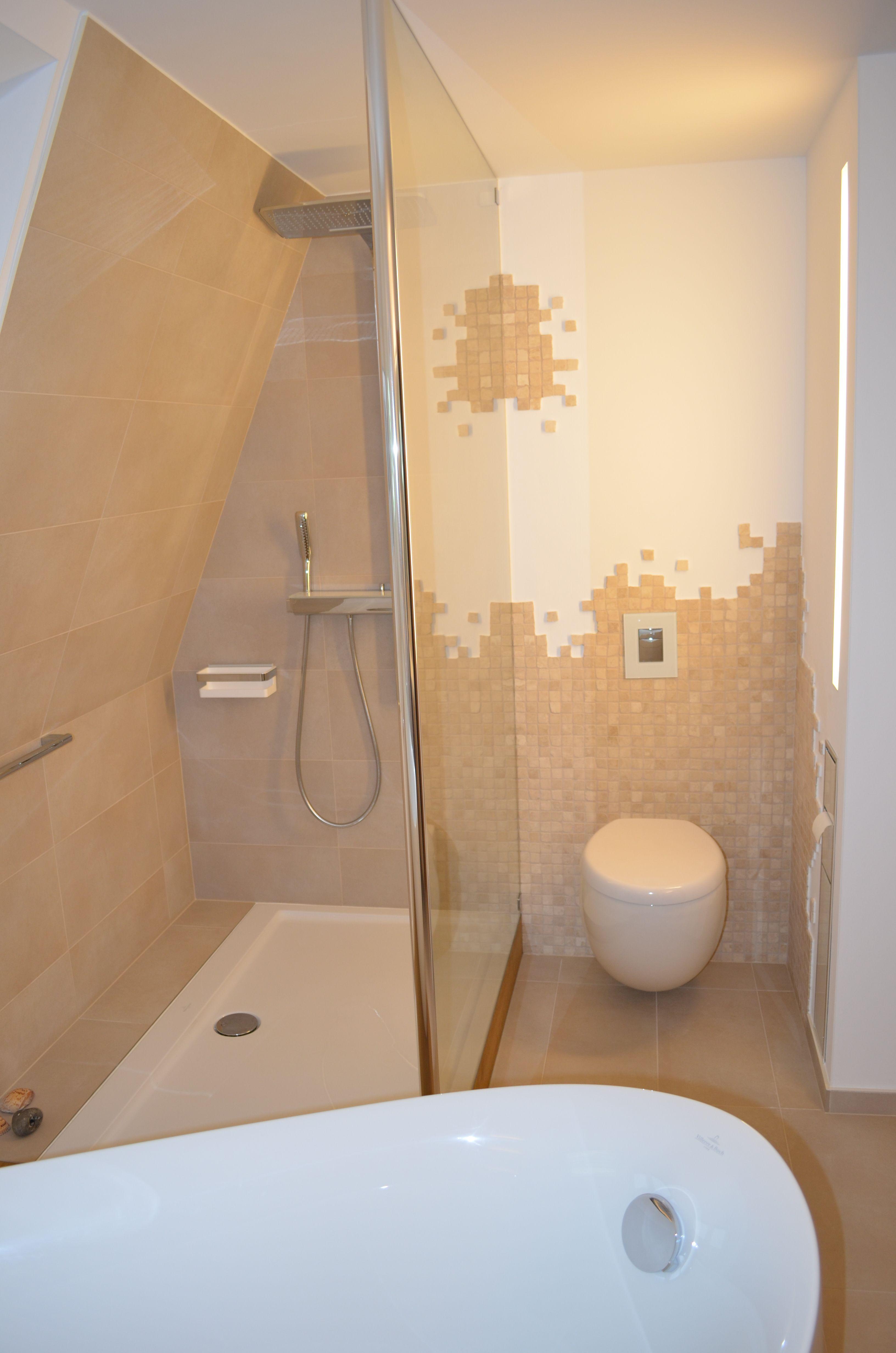 schöne Lösung für eine Dusche mit Dachschräge Badezimmer