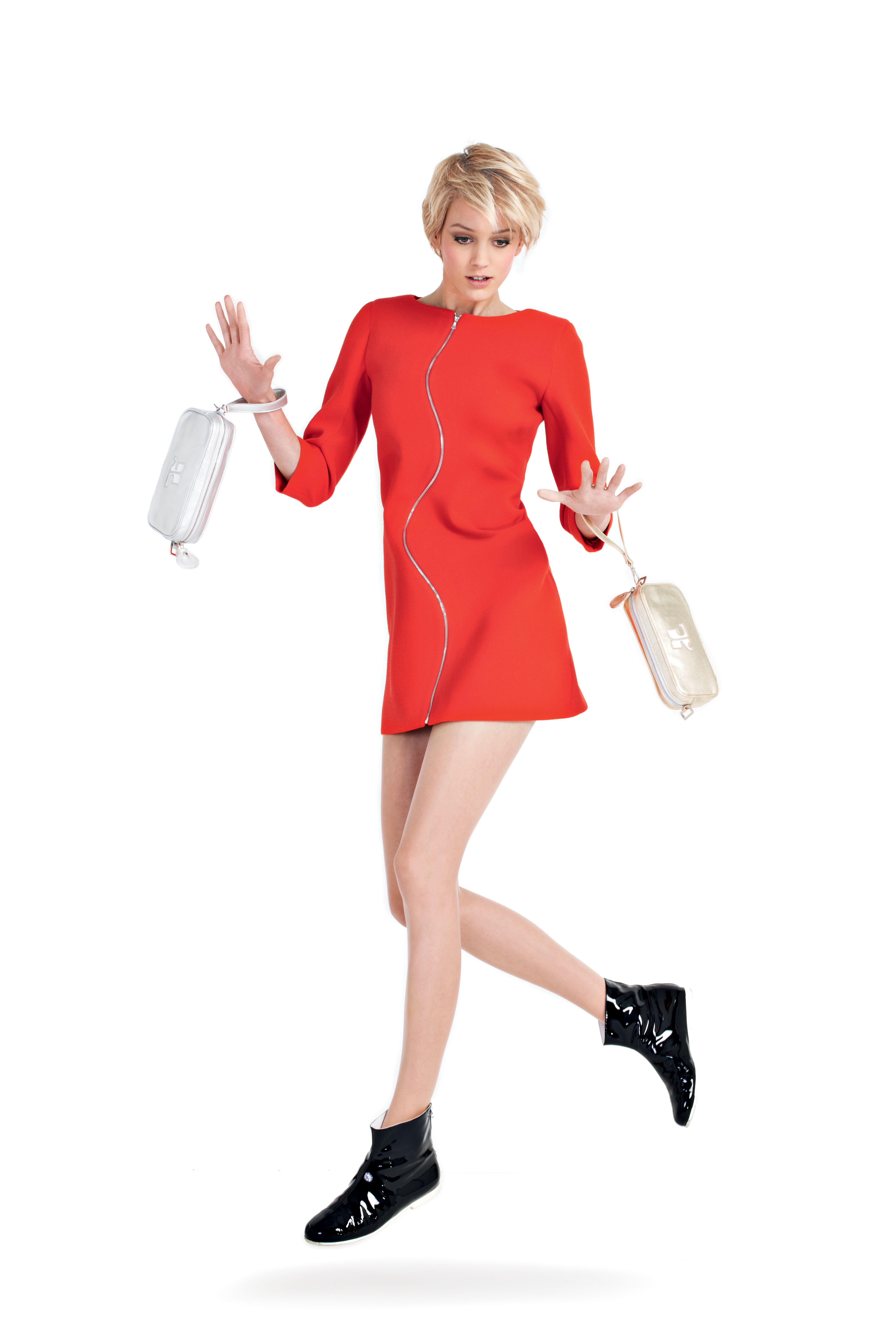 disponible en septembre courreges lookbook autumn With robe zippée devant