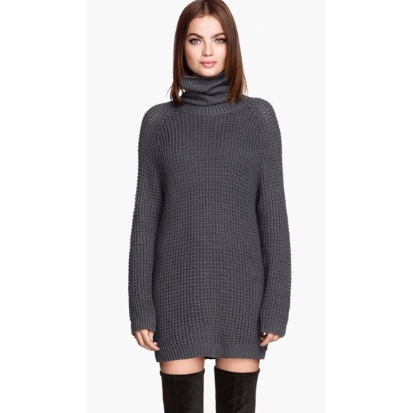 H&M Gray turtleneck Sweater Charcoal gray turtleneck sweater or ...