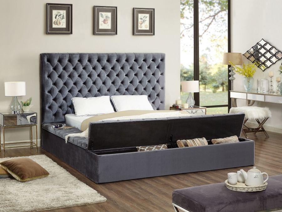 Meridian Furniture Blissgrey K Bliss Grey Velvet King Bed