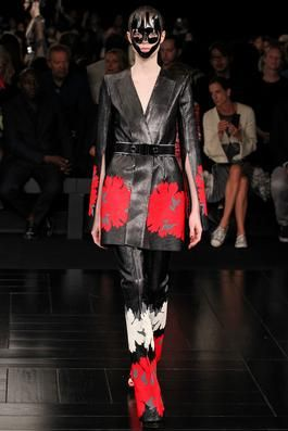 Alexander McQueen Spring 2015 Ready-to-Wear Fashion Show: Complete Collection - Style.com