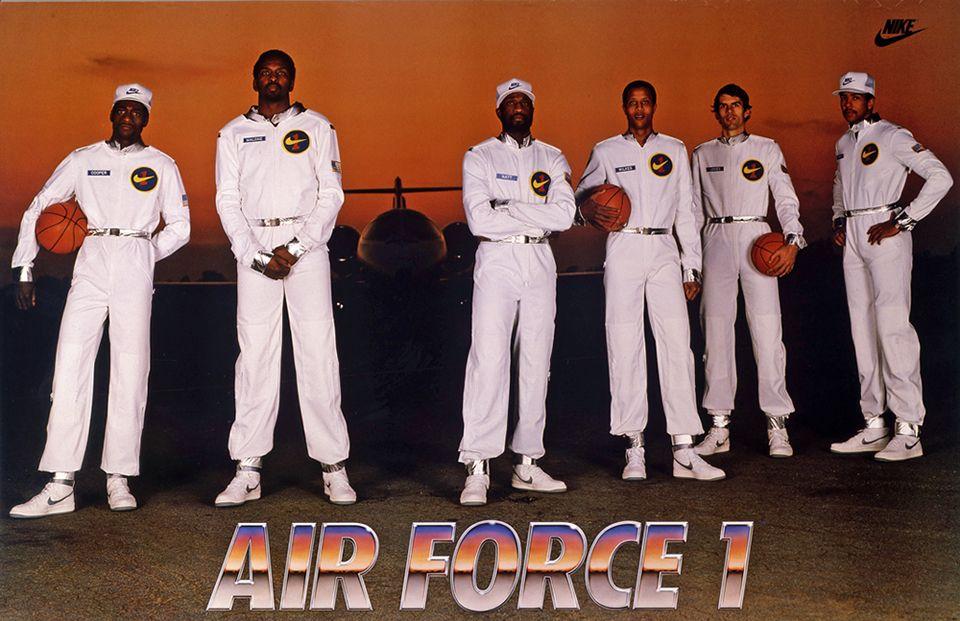 Basket Nike Air Force 1 : l'histoire d'une légende, entre