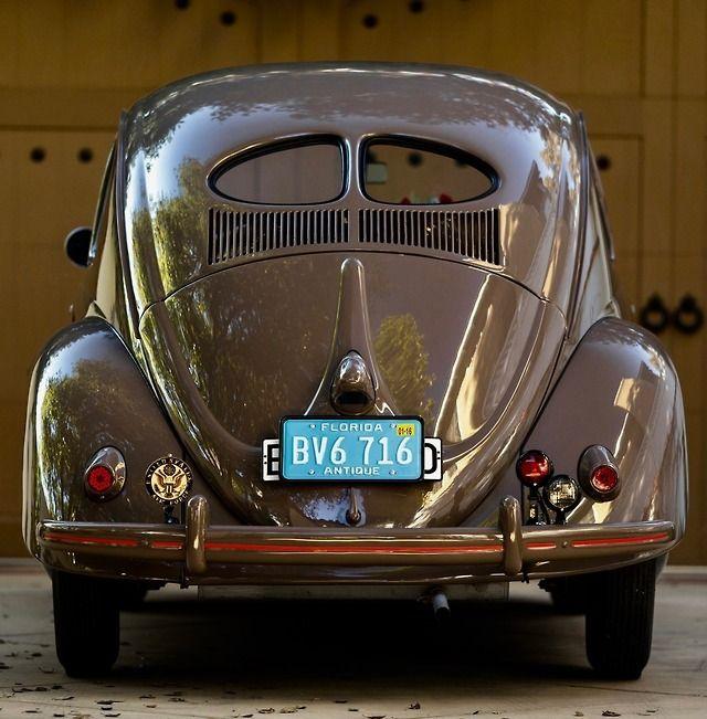 1952 Vw Beetle Type1 Split Window Brezel Standart Sedan C R M Sotheby S Fusca Azul Volkswagen Fusca
