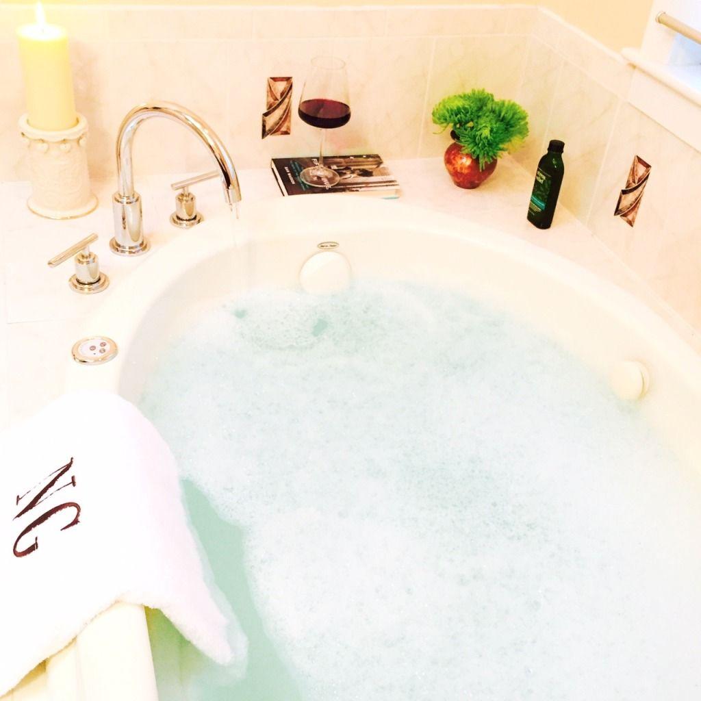 Love Playing Dressup _Bathroom Decor, home jacuzzi, tub , bath decor ...