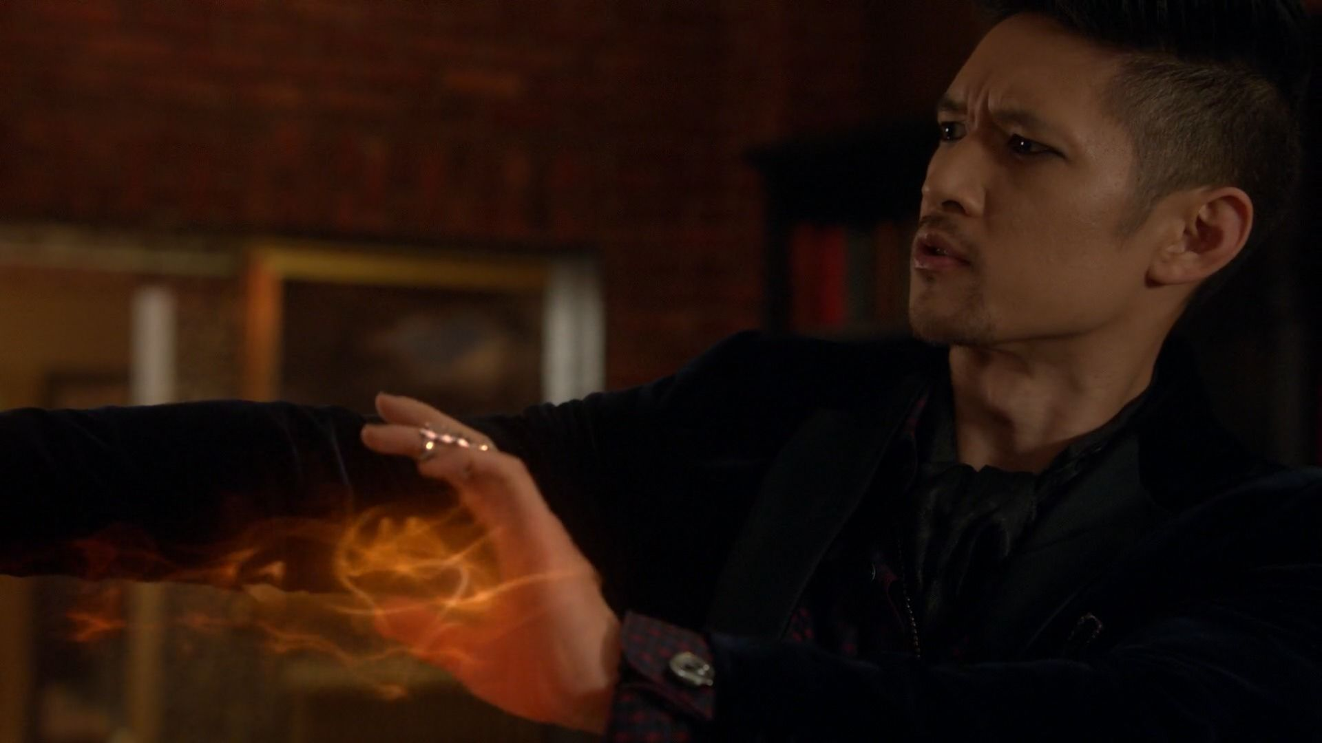 2.08 Love is a Devil - sh208 2111 - Shadowhunters Gallery