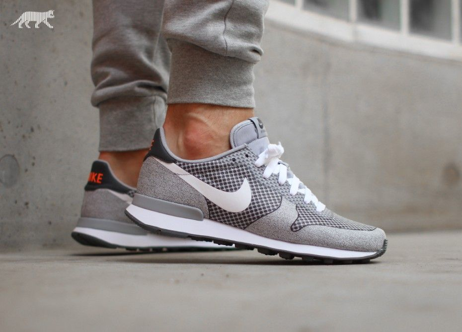 uk availability a8f25 b1561 Nike Internationalist Jacquard (Wolf Grey   White - Dark Grey - Anthracite)  .