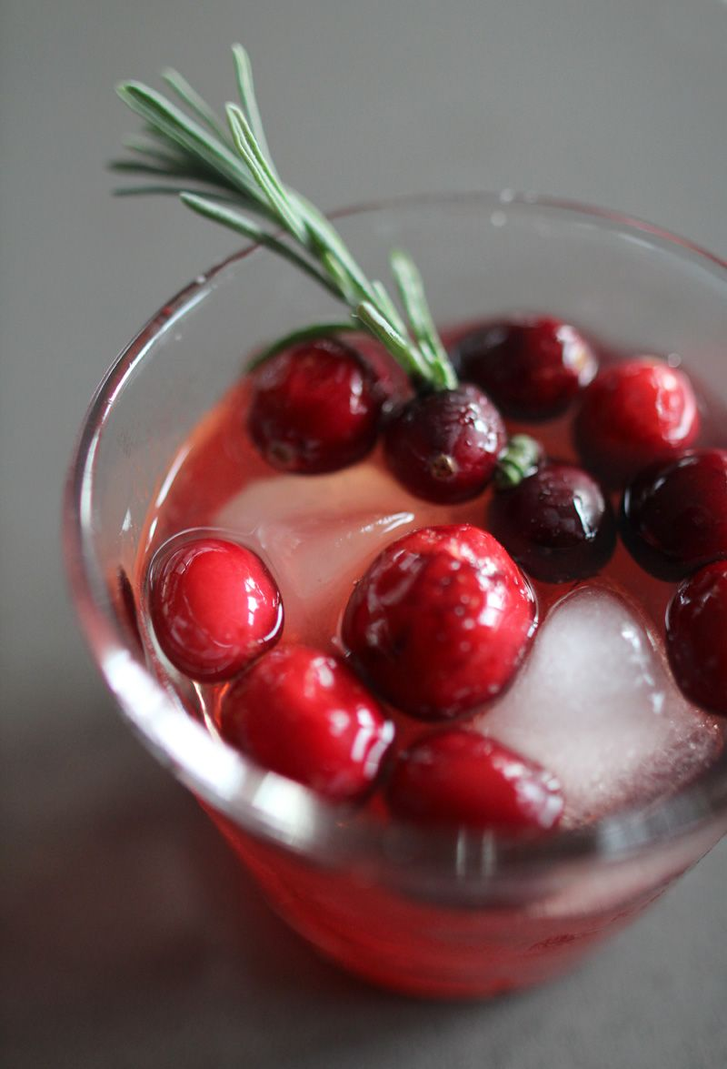 Handmade Gift & Holiday Cocktail: Cranberry & Lavender Infused Simple Syrup - Pepper Design Blog