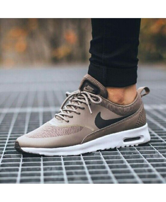 Nike Air Max Thea Tan Beige | Nike schoenen, Schoenen ...