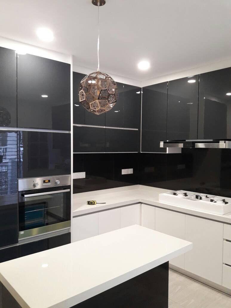 Acrylic Kitchen Cabinets Tuscan Island Ara Damansara Double Storey House Cabinet 4g Quartz Stone